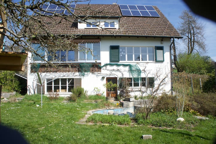 Lovely house with wonderful garden, near Bern