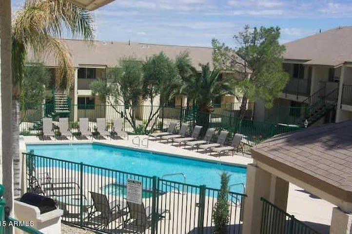 Amazing fully Equipped condo in Paradise Valley!