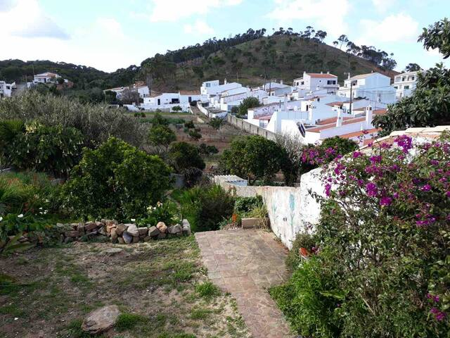 Casa do Bax 2 bedroom 4p. villagehouse with garden