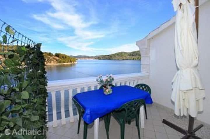 Villa Rosa -Studio apartment with sea view and terrace (A5)