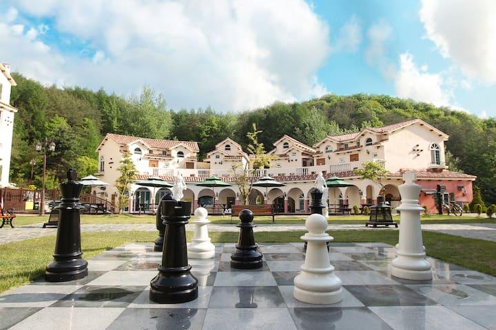 체스광장이 있는 스페인마을 온세스파룸 - Hwachon-myeon, Hongcheon - Casa