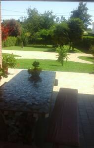 Casa sul Montello con ampio giardin - Nervesa della Battaglia  - Casa