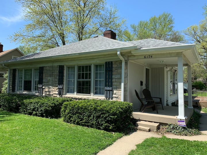 Charming Pet Friendly 1 BR Broad Ripple duplex