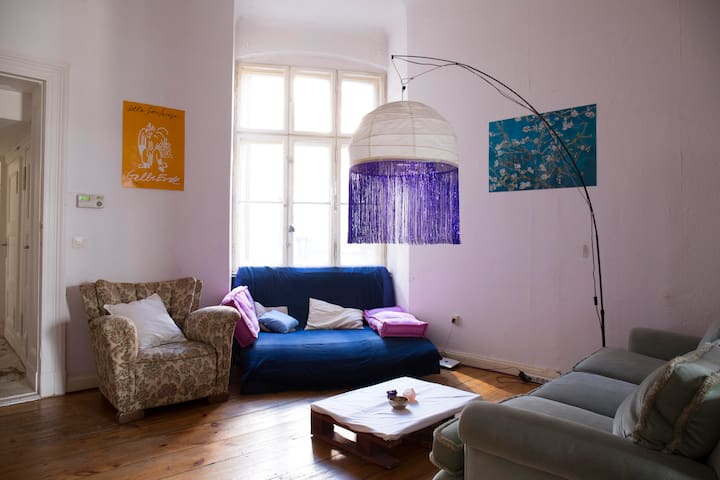 Cozy room in a beautiful apartment in Bergmankiez - Berlín - Apartamento