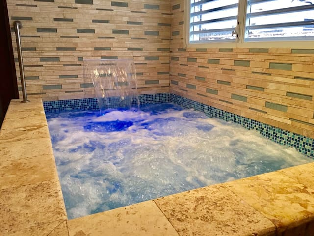 Classic Puerto Rican Spa Experience Suite