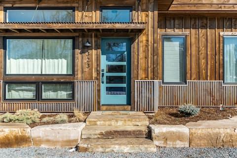 Sunset Street Retreat-Colorado Modern Guest House