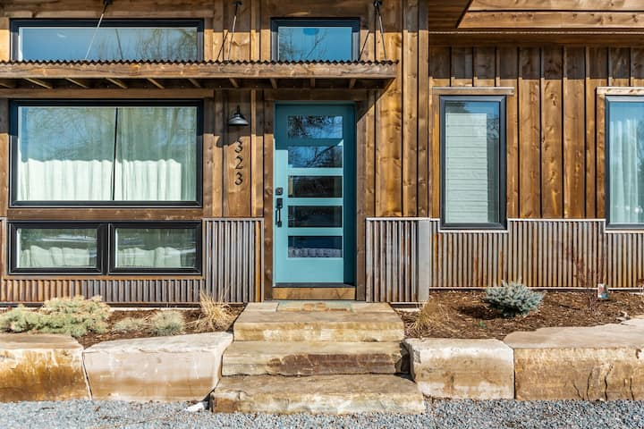 Sunset Street Retreat-Colorado Modern Guest House