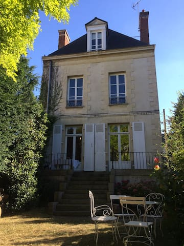 Chambre avec S.de B privée dans maison, parking - Rennes - Townhouse