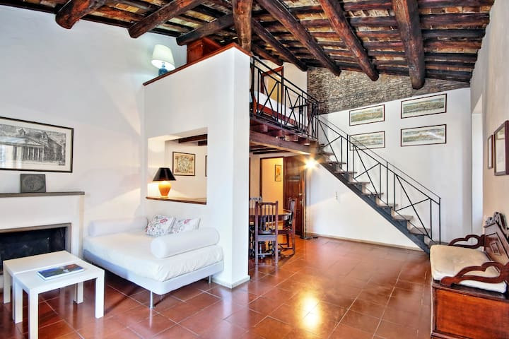 Characteristic duplex, steps from Pantheon! 80860 - Rzym - Apartament