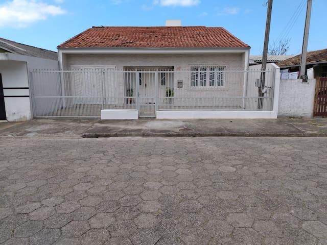 Casa p/ 15 PESSOAS na praia do Mar Grosso.