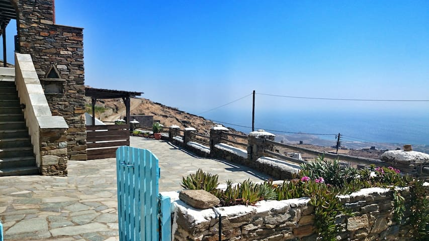 Best view in town- family house 2-5 - Tinos - Dům