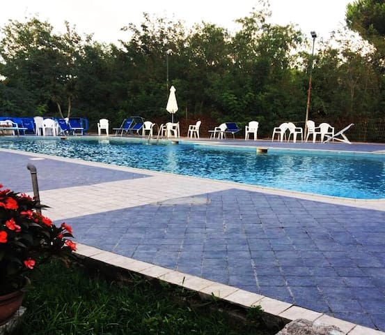 Apartment with pool in Paestum