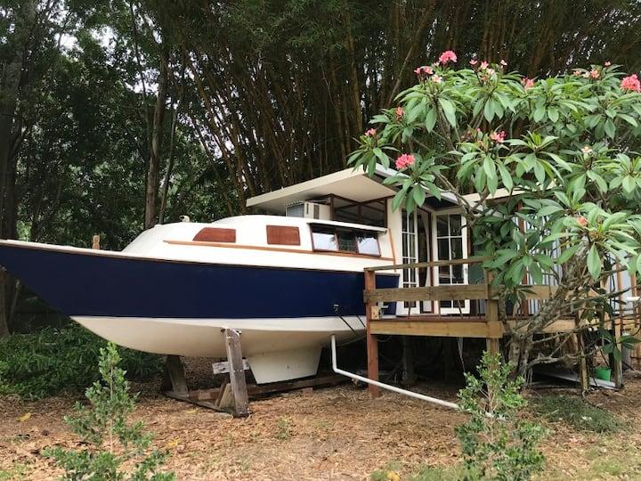 Belafonte II  - tiny boathouse private eco-retreat