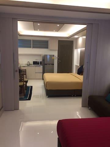 Family Room Condo 5 Shopping@Platinum + FreeWifi
