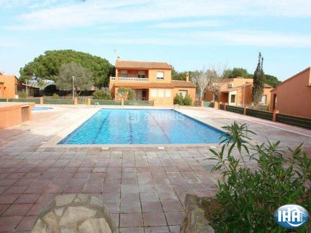 Costa brava sun and becah - Torroella de Montgrí - House
