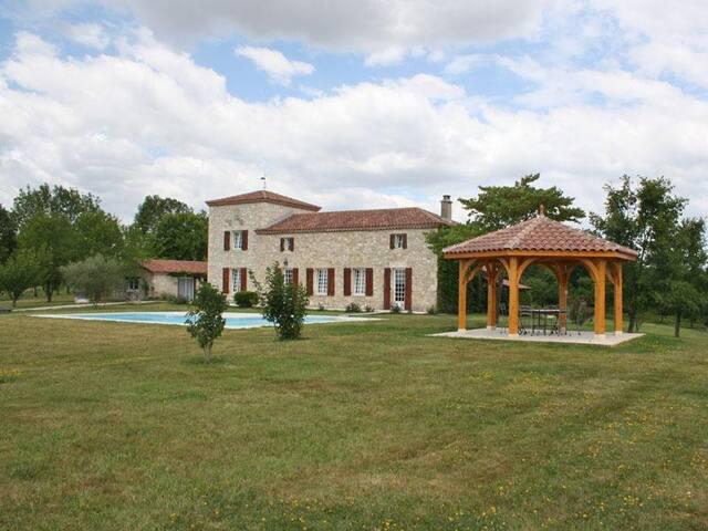 Kasteel met zwembad in Aquitaine - La Sauvetat-sur-Lède - Huis