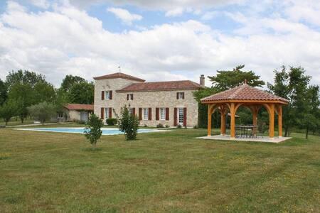 Castle with swimming pool Aquitaine - La Sauvetat-sur-Lède