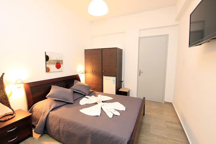 bedroom of economy room