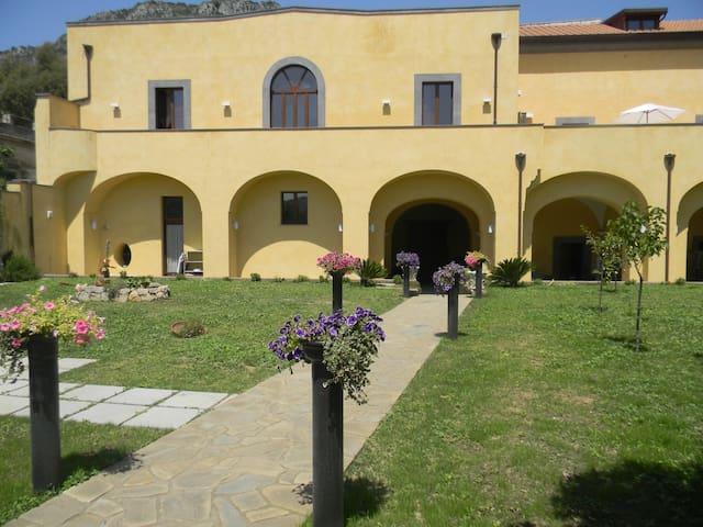 Sorrento -  Villa Elisa two rooms - Meta - Bed & Breakfast