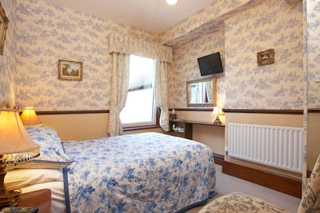 Room No 1 @ Brookfield B&B Keswick. - Keswick