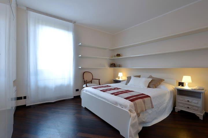 Charming New Apartment Milan Center