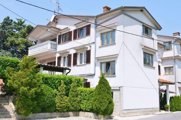Ferienwohnung 4681-2 für 5 Pers. in Opatija