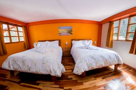 TWIN ROOM WITH MOUNTAIN VIEW - Ollantaytambo
