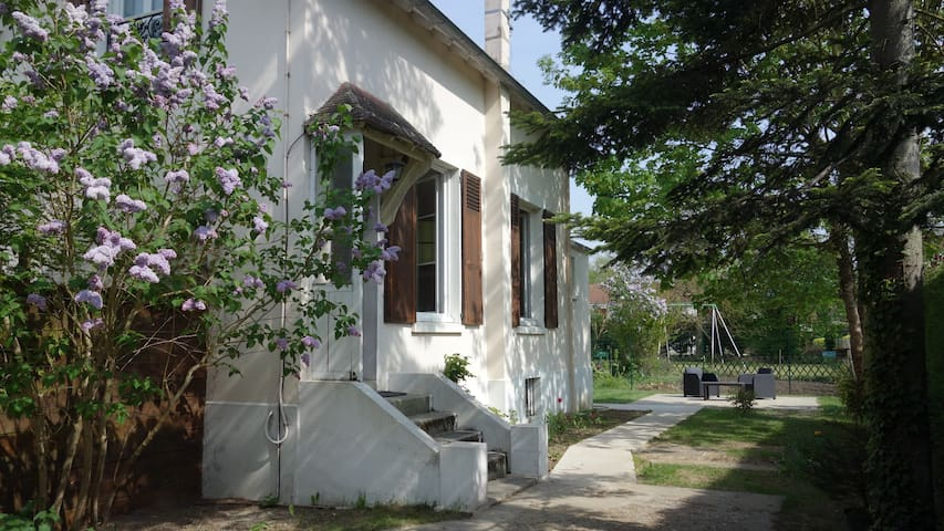 House in Herblay, quiet, near Paris - Herblay - Casa