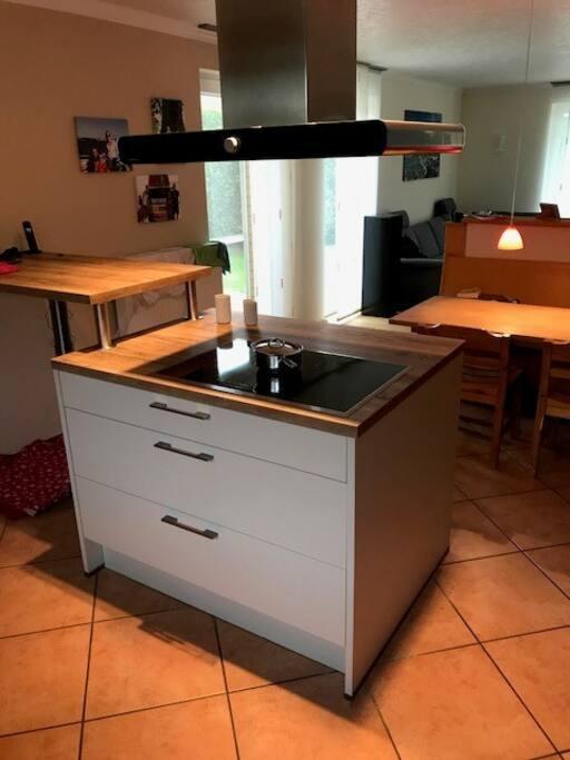 Küche/Wohnzimmer (ein Raum)