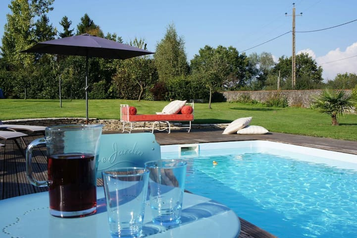 Holiday home with swimming pool - Fours - Dom