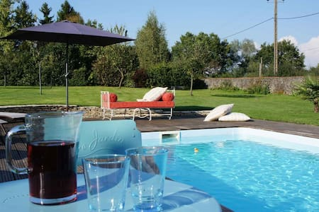 Holiday home with swimming pool - Fours