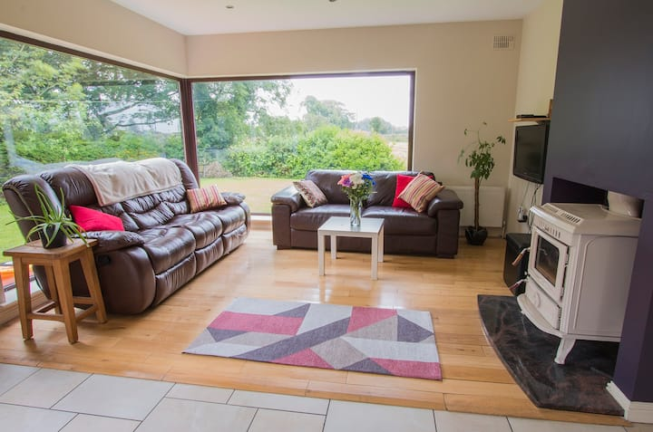 Spacious home beside Strandhill & Sligo