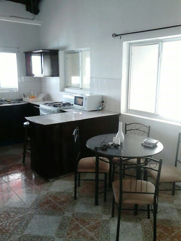 3br apt surrounded by island life. - Vieux Fort - Apartament