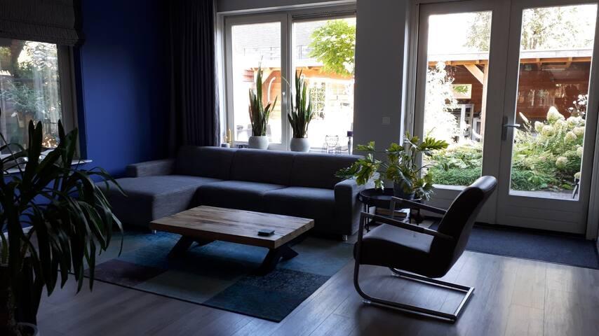 The living room.  - De woonkamer