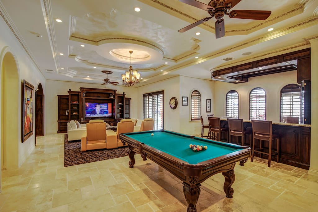 Bar, Movie room & Pool Table