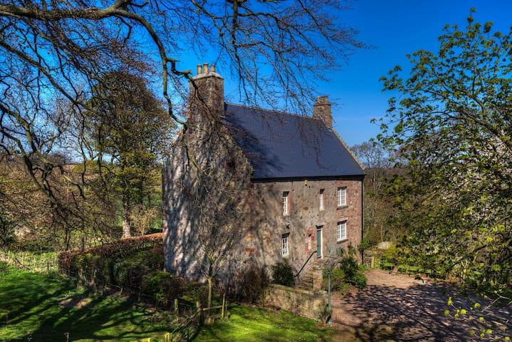 Historic house, Scottish Borders - Eyemouth - Hus