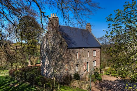 Historic house, Scottish Borders - Eyemouth - Ev
