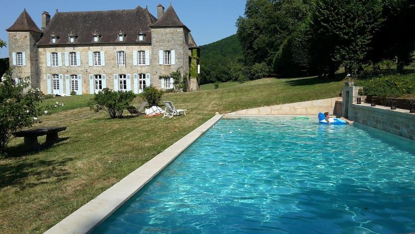 gite rural de charme - Le Bourg - Huis