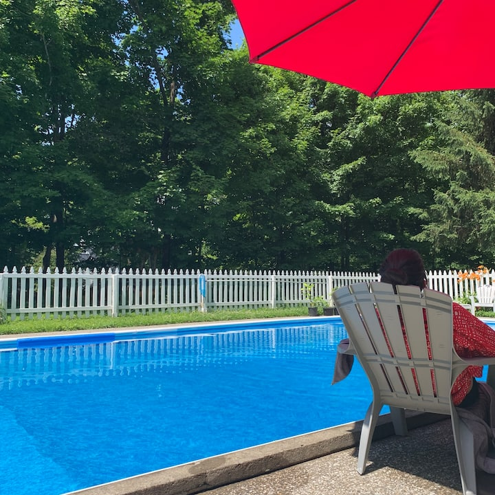 Poolside double suite in century old B&B