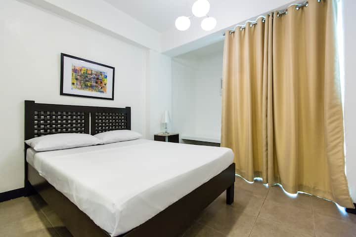 Poblacion Makati affordable room