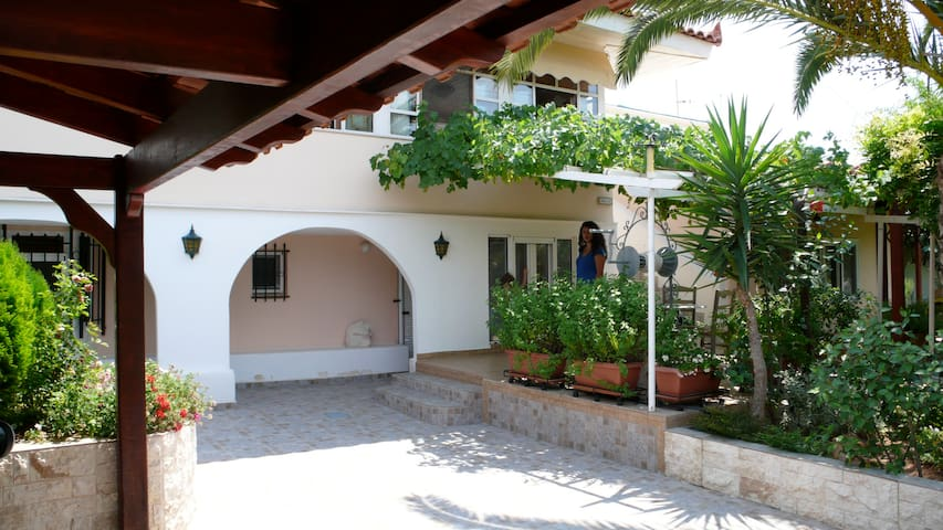 Ariella cosy ground floor Rooms - Thimari - Daire