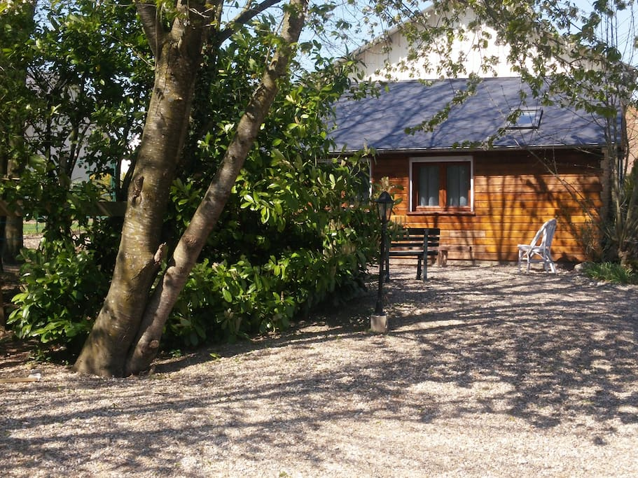 cosy cottage baie de somme chalets for rent in aigneville picardie