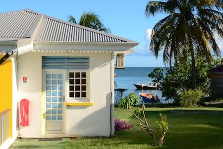 bungalow 2 personnes vue sur mer - Bungalow
