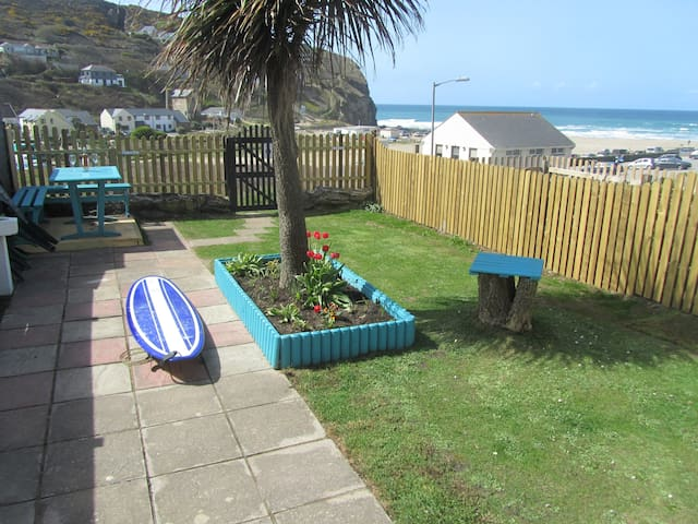 Sea view apartment near the beach - Porthtowan, Truro - Apartment