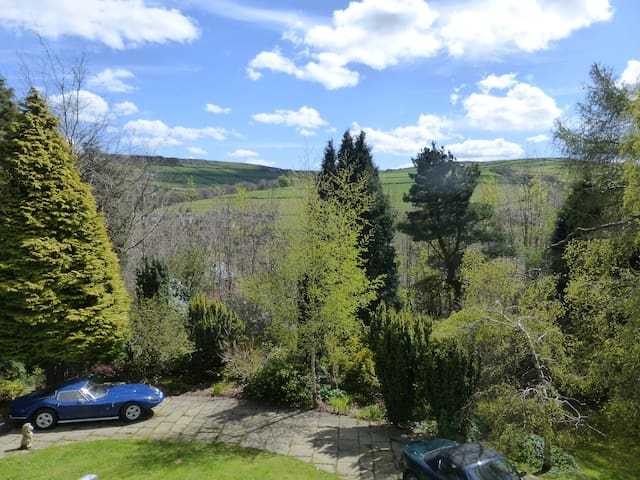 Shared Country House for 9 guests, great location - Holmfirth