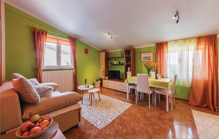 Holiday apartment with 2 bedrooms on 60m² in Vodnjan