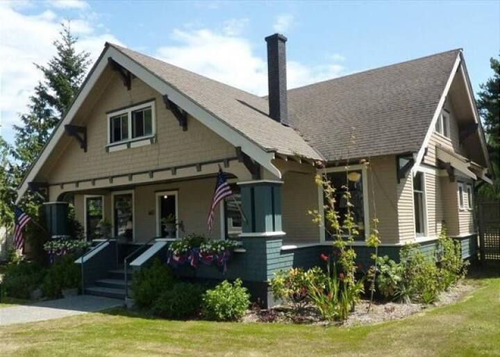 Groups of up to 21. Historic Home, Beautifully Restored in Friday Harbor