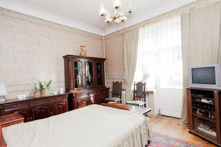 Cheap room in Moscow center!!!