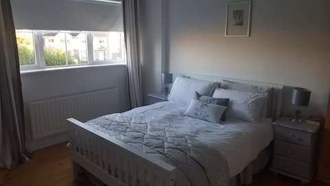 Spacious double room Sixmilebridge, Co Clare