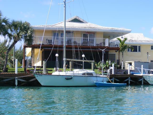 Spacious 3Bdrm Near Port Lucaya-dockage included!